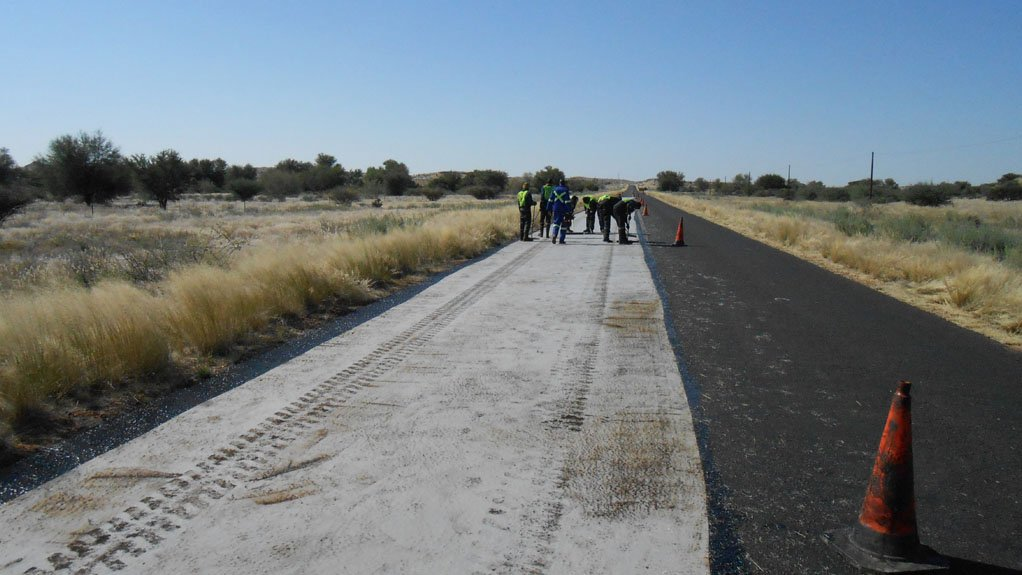 ROAD TO RECOVERY Fibertex AM-2 has been introduced to road authorities in several developing African countries as a cost-effective solution to road rehabilitation