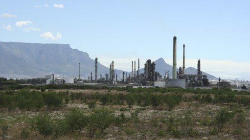 Looming 2020 bunker fuel deadline  spells trouble for coastal refineries