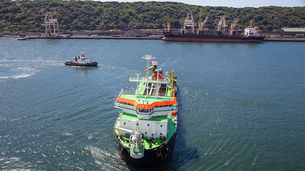 ILEMBE DREDGER This trailing suction hopper dredger is the largest of its kind in Africa
