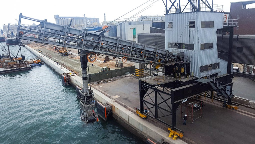 NEW SHIPLOADER Bosch Projects and Bayside Engineering jointly started onsite modifications on the shiploaders in August 2016