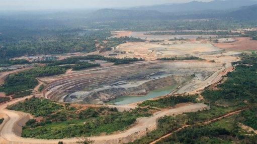 Gold Fields buys stake in Asanko gold mine in Ghana