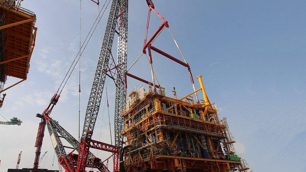 EXTENDED LIFTING CAPACITY Ale's modular jib can lift up to 3 400 t and be configured up to 100 m long