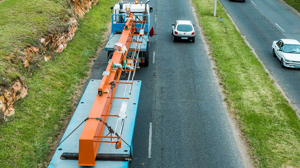 LONG-LENGTH LOADS Transcon Haulers demonstrates its long-length load capability