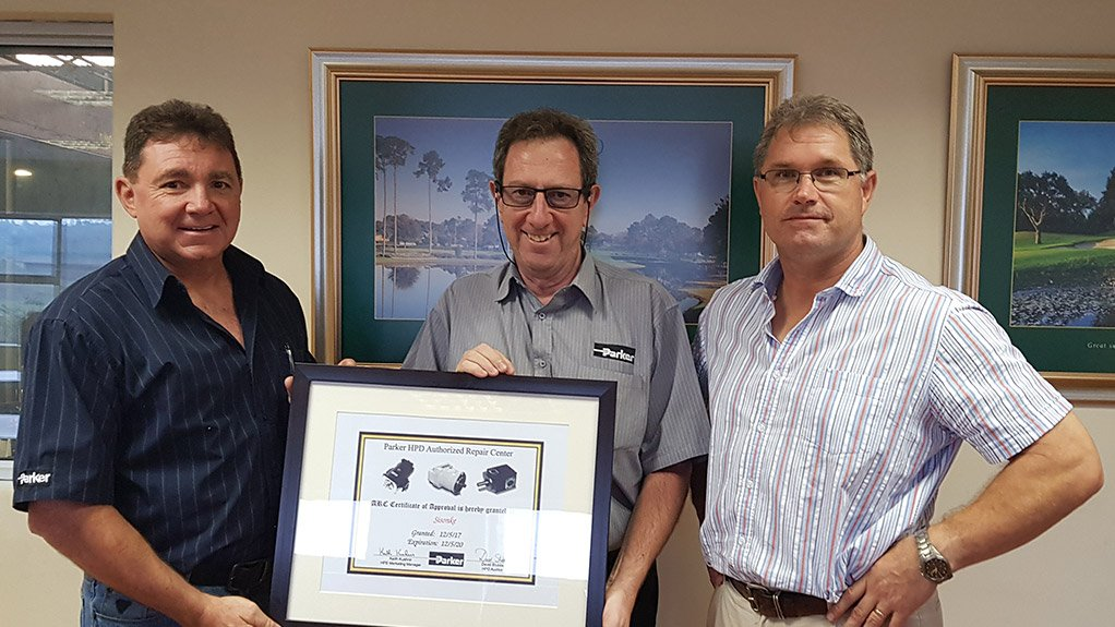 PARTNERSHIPS  Sisonke Hydraulics & Engineering engineering manager Shane Sheehan, Parker Hannifin hydraulics sales leader Keith Mullen and Sisonke Hydraulics & Engineering marketing director Pieter Hendriks service the hydraulics sector through its repair facilities