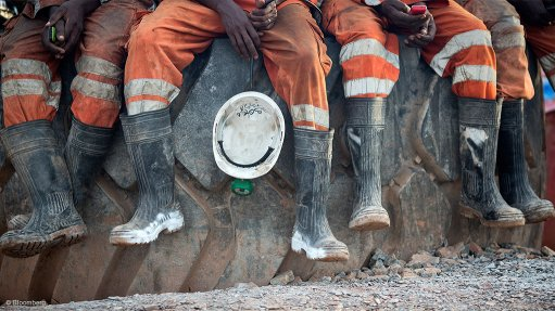 Oil & gas, mining industries anxious about top brass succession planning