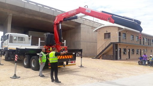 First equipment brings relief to Ngqura port maintenance