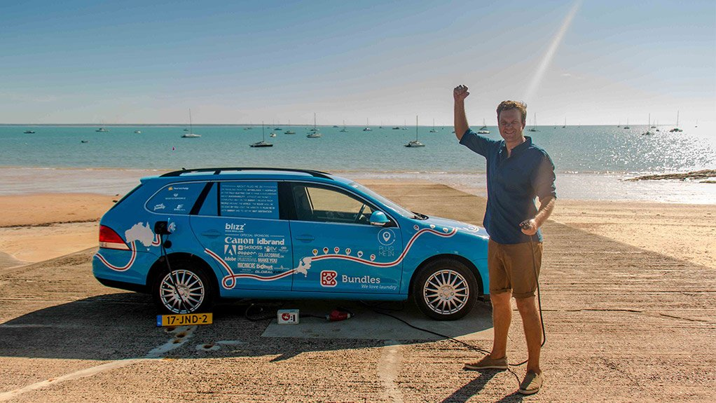 Dutchman Reaches Australia By Electric Car After 827 Days