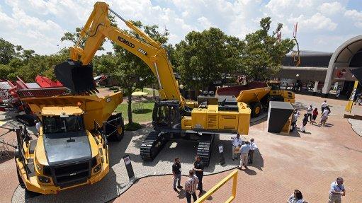 EXPANDING RANGE  Bell Equipment is extending its excavator range with the addition of new Kobelco excavators