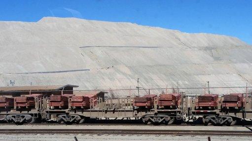 Copper trains ransacked by 'moles' in full-moon desert heists