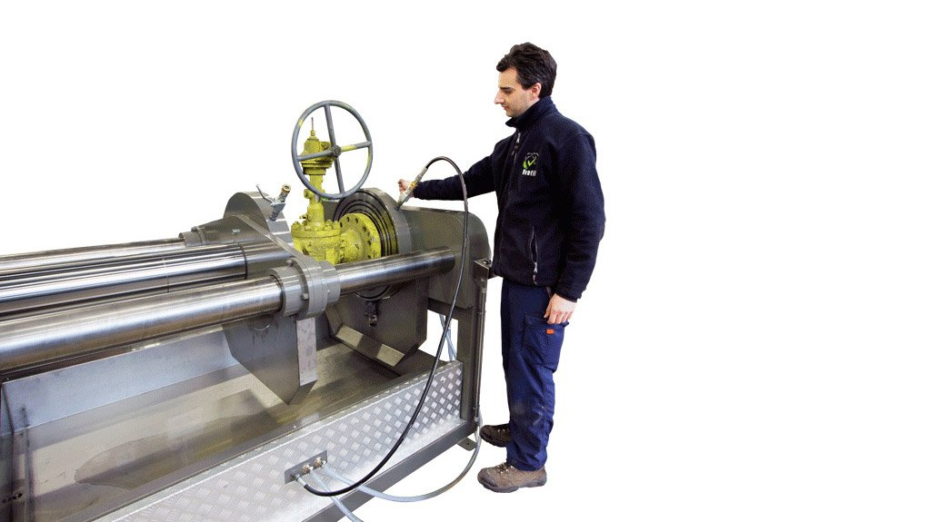 TESTING IN THE HORIZONTAL The horizontal positioning of the valve allows for accurate testing