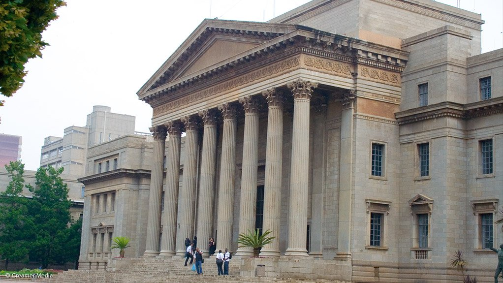 ENERGY LEADERSHIP CENTRE The University of the Witwatersrand launched the Energy Leadership Centre to equip Africa's energy industry for future technological advancements
