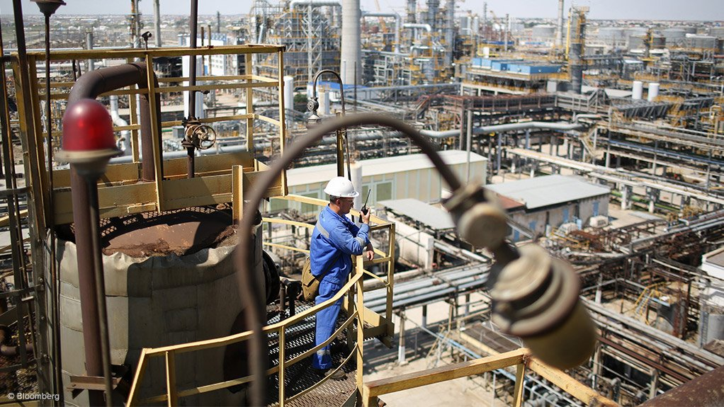 IMO 2020  South African refineries are considering the potential retrofitting of existing equipment to meet the 0.5% sulphur content cap