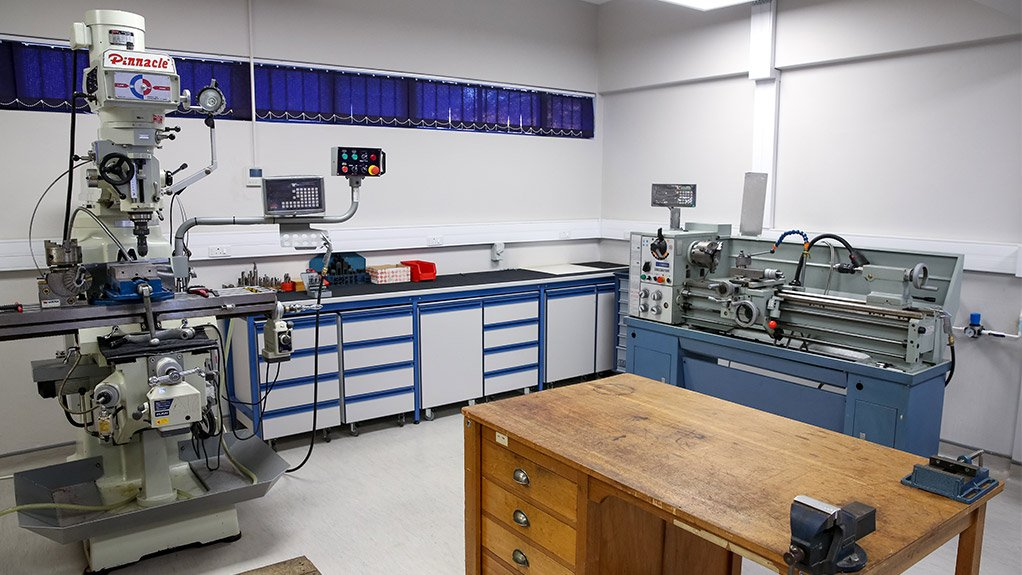 PHOTONICS DEVELOPMENT The Photonics Prototyping Facility will officially be launched during the 2018/19 financial year
