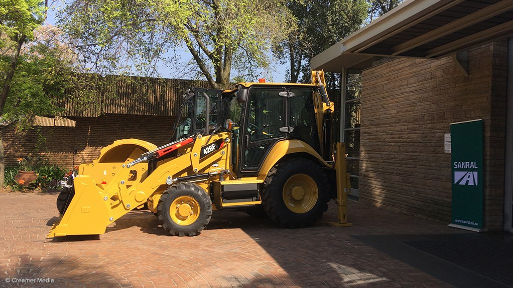 Sanral, Barloworld Equipment sign MoU to provide emerging contractors with access to equipment