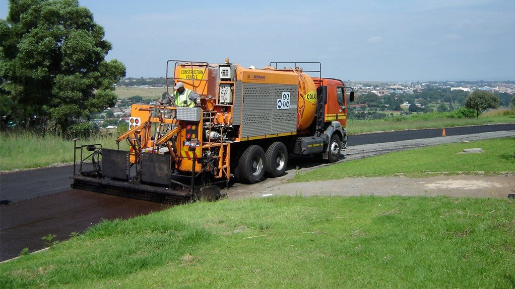 PAVING THE WAY The single truck needed to apply the Colbifibre