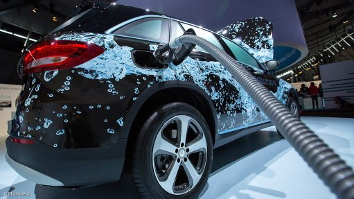 Mercedes-Benz rolls out fuel-cell SUV to tackle tech hurdles