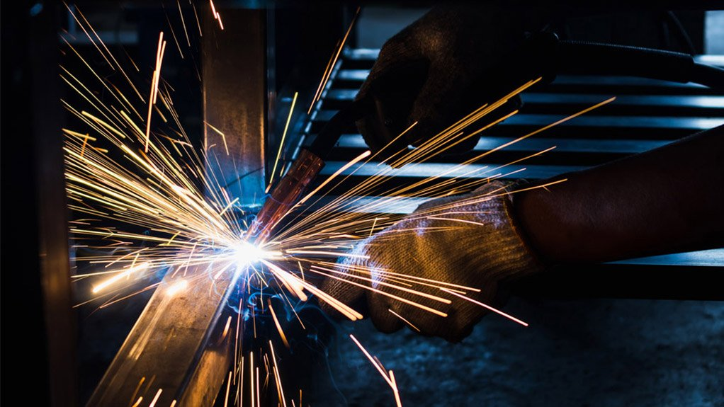 HANDS ON The metallurgical complex will increase job opportunities in the stainless steel industry