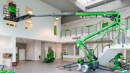 HIGH PLATFORM  The Leguan lifts provide outstanding working height with stability