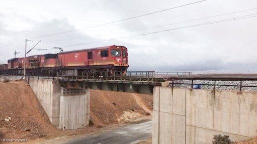 Transnet praised for rapidly restoring stricken Saldanha iron-ore line