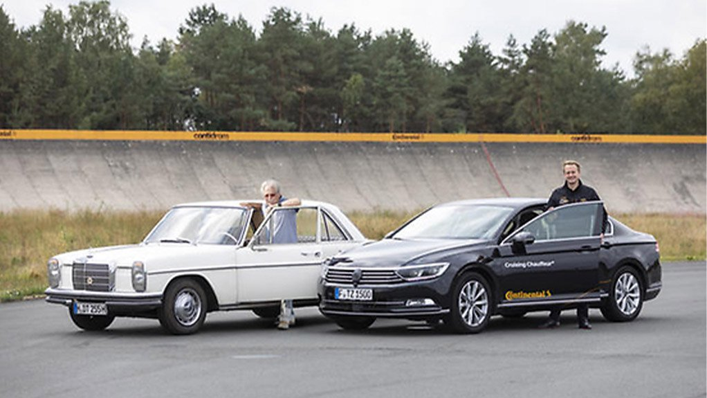 DRIVERLESS NAVIGATION  The driverless vehicle pilots the testing route with a GPS-supported satellite navigation system