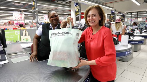 Pick n Pay trials reusable bag made from green plastic bottles