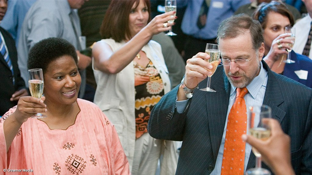 A flashback to Mick Davis' Xstrata days with South Africa's former Mineral Resources Minister Phumzile Mlambo-Ngcuka.