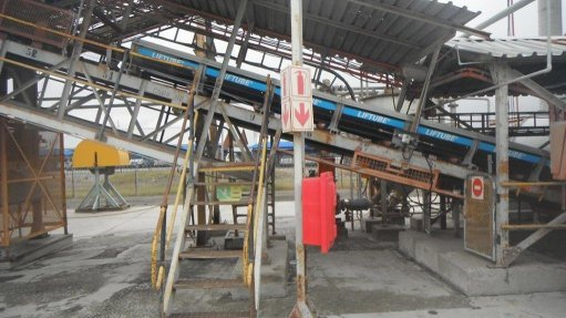 The solution to the sealing and safety problems of conveyor belts