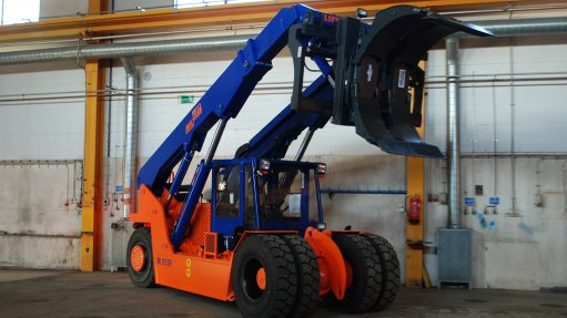 MULTIPURPOSE FORKLIFT TRUCK The Meclift ML1812R increases efficiency and safety during paper and timber handling