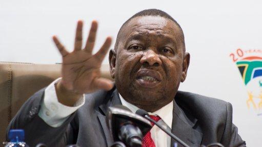 Nzimande rebuts Cape Town passenger rail takeover plan