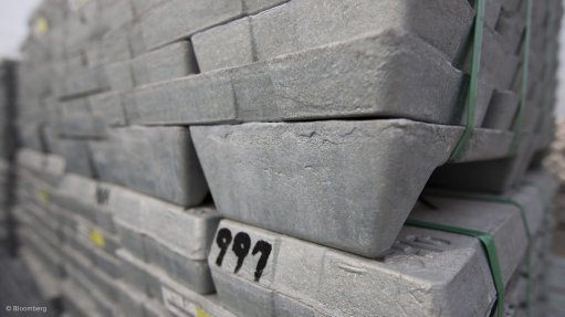 Zinc inventories continue to fall