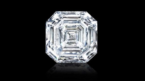 Graff shapes world's largest square emerald cut diamond