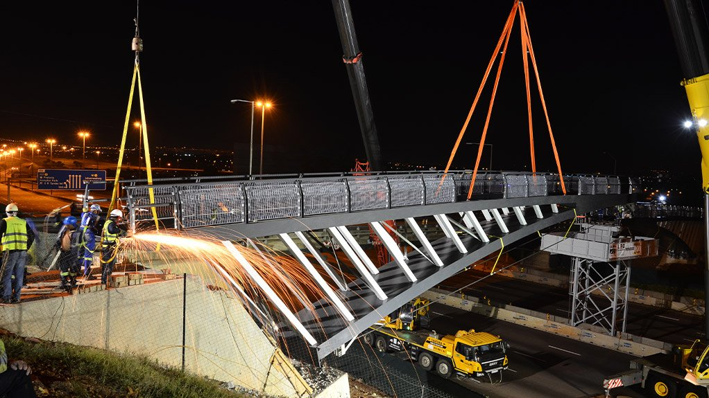 The new pedestrian bridge over the N1 at Erasmusrand will soon be ready for use by pedestrians and cyclists near Hoërskool Waterkloof, in Pretoria