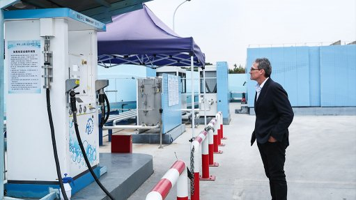 HYDROGEN AND PLATINUM FIGHTING CLIMATE CHANGE: