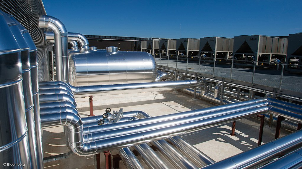 CHILLER SYSTEM  Central plant optimisation software can constantly and consistently maximise the efficiency and performance of an entire central chilled water plant