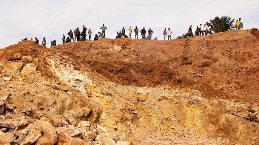 Miners in Congo face subcontracting limits under new rules