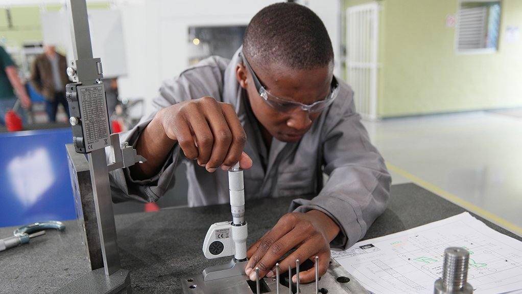 CHANGE IS NECESSARY The South African manufacturing sector cannot survive without the support of a strong, vibrant and technologically sophisticated local tooling industry