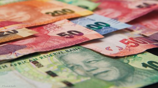 Rand continues to tumble on central bank worries