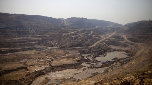 Illegal miners at Glencore concession in Congo defy eviction