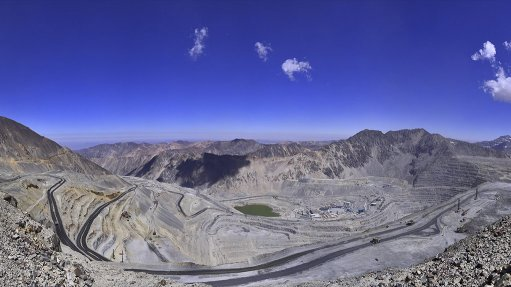 Anglo American says Chile Los Bronces mine project will not harm glaciers, biodiversity