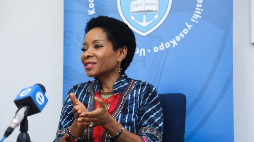 'Role model par excellence' – UCT vice-chancellor receives honorary degree from UK university