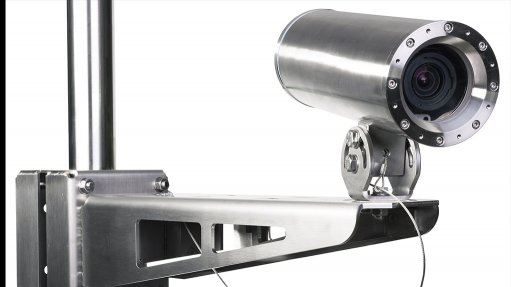 Explosion-protected camera made from robust materials with a lightweight finish
