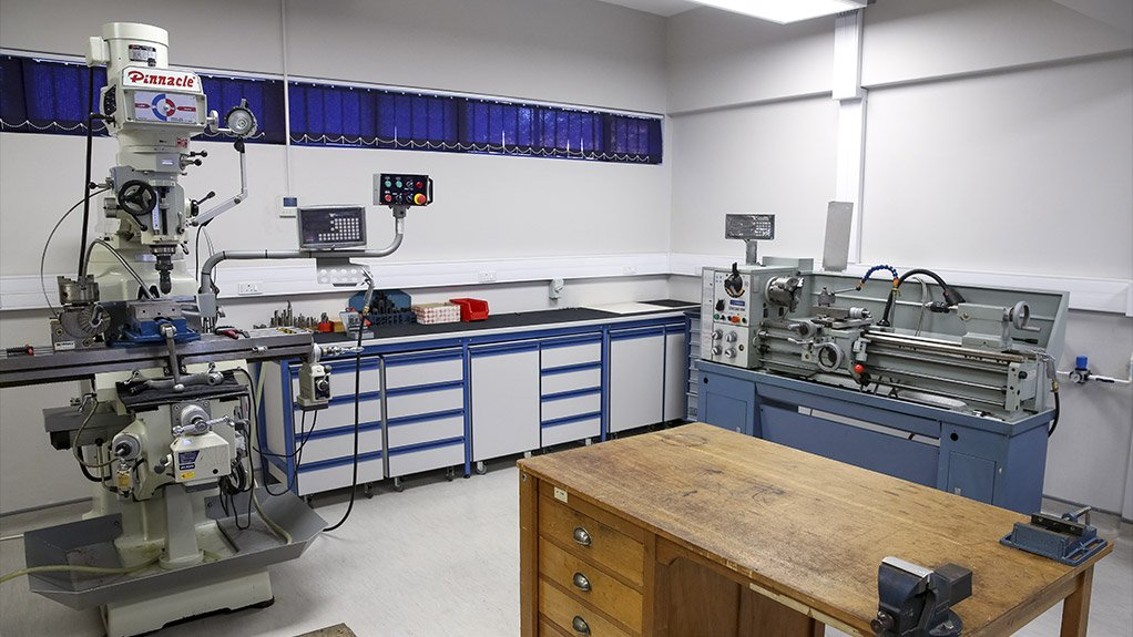 PHOTONIC TECHNOLOGY The photonic prototyping facility was designed for individuals or organisations who wish to design photonics products