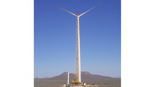 First turbine at Perdekraal East Wind Farm erected