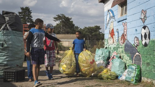 BRIGHTER FUTURE Plastic SA wants to prevent plastic waste from ending up in the environment