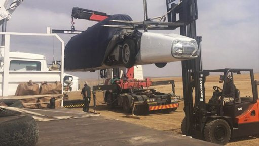 Bloodhound car lands in South Africa, gears up for high speed runs