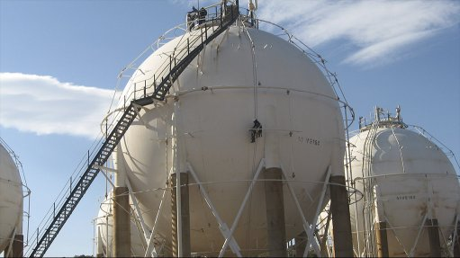 Rope access ensures optimal maintenance of petrochem tanks