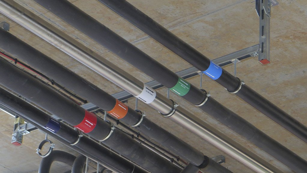FIRM GRIP The modular installation system requires no welding or drilling