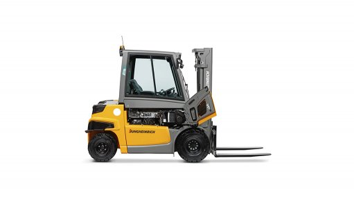 Jungheinrich seeks to offer the best of both worlds in new counterbalance truck