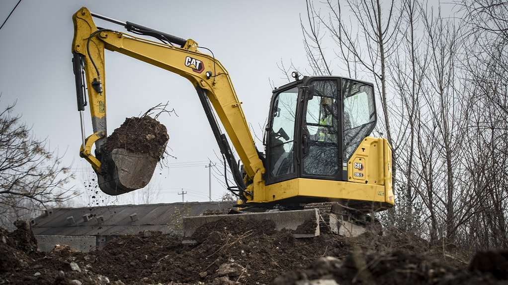 SOUTH AFRICAN INFLUENCE Air conditioning has also been introduced as an option on all Cat Next Generation mini excavator model sizes in response to direct feedback from South African customers