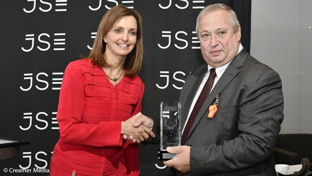 JSE CEO Dr Leila Fourie (left) and Sibanye-Stillwater CEO Neal Froneman.